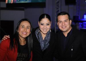 04012016 Karla, Marcela y Ricardo.