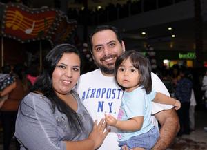 04012016 EN FAMILIA.  Idalia, Gerardo y Fernanda Moreno.