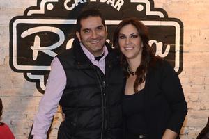 08012016 EN PAREJA.  Omar y Daniella.