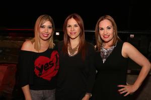 Ana Claudia, Iris y Marcela