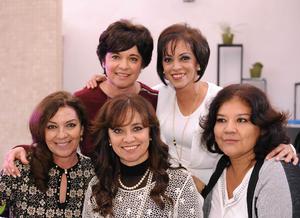 Rosy, Gaby, Roxana, Ángeles y Rosalinda