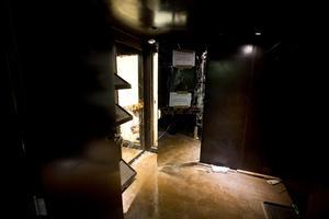 """""""El Chapo"""" escapó por un sofisticado túnel que iniciaba detrás de un espejo en un cuarto de la casa donde se escondía."""
