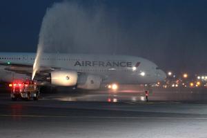 El avión es el Airbus A380 de Air France.