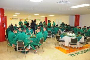 Ambas selecciones fueron recibidas en la presidencia de Torreón.
