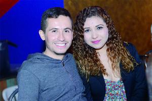 12012016 ASISTEN A CONCIERTO.  Aldo y Diana.