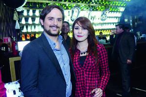 11012016 EN EL ANTRO.  Fernando y Alicia.