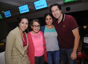 12012016 Laura, Emma, Samantha y Rafael.