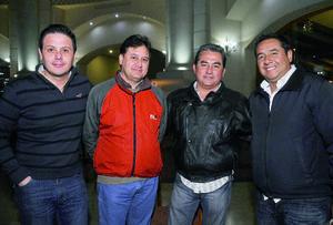 10012016 Carlos, Gerardo, Manolo y Cara.