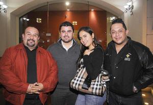 10012016 Alejandro, Rafael, Ana y Miguel.