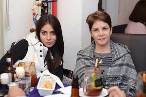 10012016 EN RECIENTE CELEBRACIóN.  Janeth y Lorena.