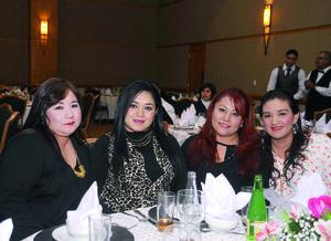 11012016 CONTENTAS.  Mariela, Yunuen, Guadalupe y Sarah.