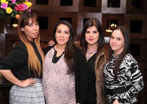 Karla, Edith, Caro y María Rosa