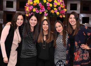 Sofía, Gloria, Ana Isabel, Sandra y Sandra
