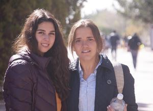 Alejandra y Valeria