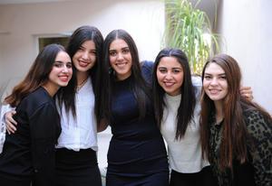 Ana Luisa, Ana Cris, Dafne, Andrea y Boris