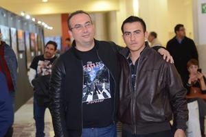 GALERIAS LAGUNA, TRIBUTO A THE BEATLES  En la foto: Antonio y Alejandro