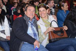 GALERIAS LAGUNA, TRIBUTO A THE BEATLES  En la foto: Victor y Martha