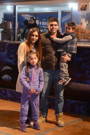 CIRCO SOLARY  En la foto: Seth, Sara, Natalia y Manuel