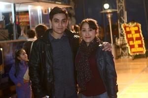 CIRCO SOLARY  En la foto: Manuel y Karen