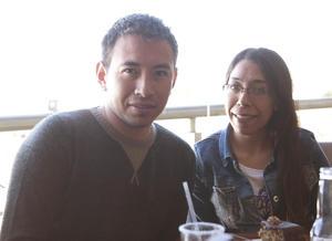 Erick Sotomayor Ruiz  RESTAURANTE NICANOR. Luis y Cindy.