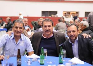 Erick Sotomayor Ruiz  CUMPLEAÑOS MARIO LOZOYA SOTOMAYOR. Salvador,Jorge y Gerardo.
