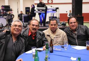 Erick Sotomayor Ruiz  CUMPLEAÑOS MARIO LOZOYA SOTOMAYOR. Ernesto,Ernesto,Luis Carlos y Jose Luis.