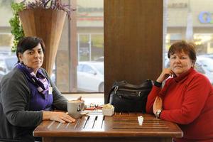 Erick Sotomayor Ruiz  TARDE DE CAFE. Beatriz y Mogguis.