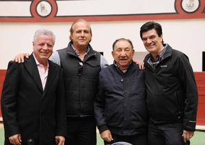 Erick Sotomayor Ruiz  CUMPLEAÑOS MARIO LOZOYA SOTOMAYOR. Acompañado de los ex presidentes municipales Jorge Zermeño,Carlos Roman Cepeda y Jose Angel Perez.