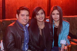 RITTER  En la foto: Miguel, Arely y Fernanda