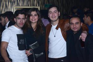 JYNX  En la foto: Abel, Lorena, Roberto y Vehyna