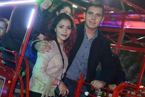 VAGON COLON  En la foto: Narda y Raúl