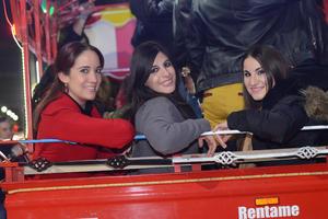 VAGON COLON  En la foto: Lupita, Caro y Fátima