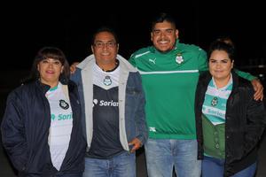 CARLOS RODRIGUEZ AGUILERA  ASISTENTES SANTOS-JAGUARES: LAURA, BETO, ELIU Y PATY
