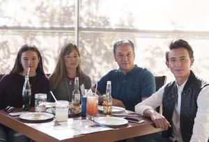 Erick Sotomayor Ruiz  RESTAURANTE NICANOR. Ilse,Ilse,Jorge y Jorge.