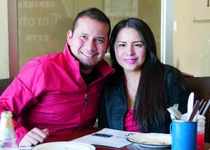 27012016 Jonathan y Lupita.