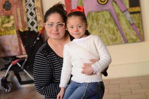 27012016 MUY LINDAS.  Luisa Fernanda y Karla.