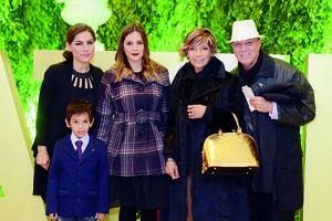 27012016 EN RECIENTE FESTEJO.  Dulce, Rocío, Mateo, Gabriela y Alfonso.