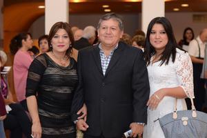27012016 EN LA ÓPERA.  Cristina, Ricardo y Cristy.