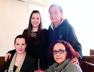 27012016 Mariana, Luis Rey, Paulina y Marcela.