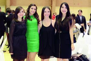 27012016 MUY GUAPAS.  Paola, Amalia, Sofía y Gloria.