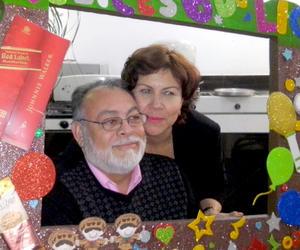 31012016 Lic. José Manuel y Sra. Luz María compartieron bellos momentos en esta fecha tan importante.