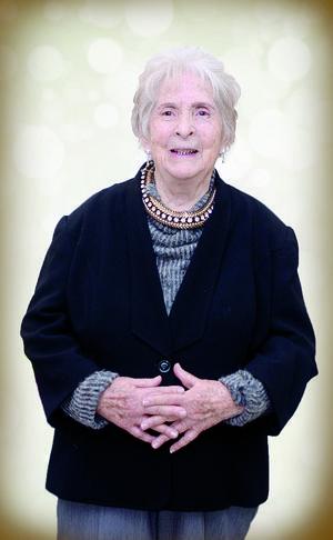 31012016 Sra. Gloria Espinoza Saucedo celebró el pasado 27 de enero del año en curso su 90 aniversario de vida. En esta fecha tan importante, estuvo acompañada de sus hijos: Bayardo, Emilio, Olaya y Ruy.