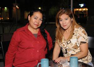 30012016 Claudia y Carolina.