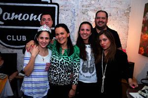 Maurice, Lorella, Lorella, Paulina, Pamela y Jorge