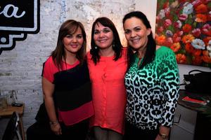Paola, Lucy y Lorella
