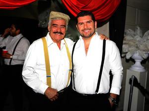 Felipe con su hijo Felipe