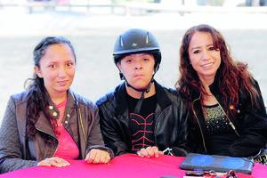 02022016 AMIGAS.  María Esther Ramos, Menchú L. de Araluce y Gloria Yee.