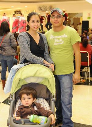 03022016 Alejandra, Santiago y Erick.