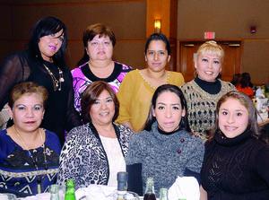04022016 Norma, Ale, Paty, Celeste, Norma, Cecilia, Martha y Mayela.