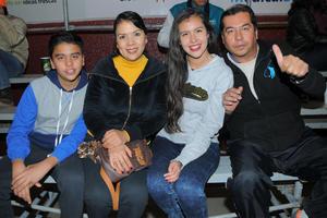 03022016 Jesús, Lourdes, Dalia y Jesús.